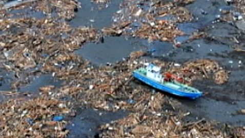 abc japan debris jef 111025 wblog Tsunami Debris to Hit U.S. Sooner Than Expected