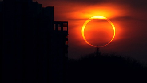 gty annular solar eclipse ll 1201516 wblog Nightline Daily Line, May 18: Facebook Frenzy
