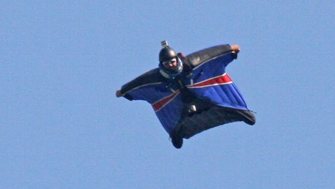 gty gary connery thg 120523 wblog VIDEO: Skydiver Lands Safely Without Parachute From 2,400 Feet