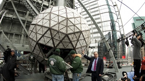 gty times square ball thg 111229 wblog Ring in 2012: 12 Facts About the New Years Eve Ball