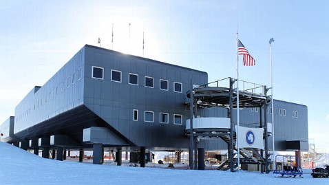 ht South Pole Station nt 111010 wblog South Pole: Woman Pushes for Rescue After Stroke at Amundsen Scott Station