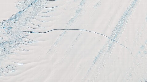 ht antarctic crack jef 120202 wblog Antarctica: Pine Island Glacier Has Long New Crack