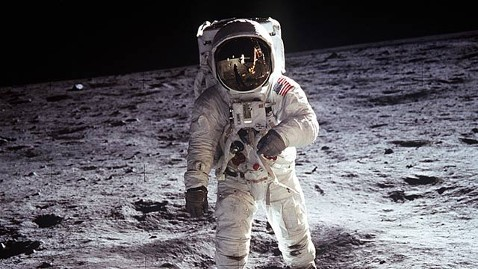 ht apollo 11 aldrin ll 110901 wblog This Week Roundtable Picks Their Most Memorable TV Moments