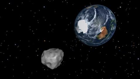 ht asteroid da14 earth ll 130215 wblog Live Blog: Meteor Falls in Russia; Asteroid 2012 DA14 Passes