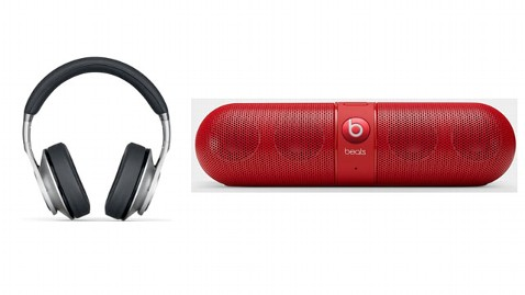 4d219d0b714 Beats By Dre Releases Pill Bluetooth Speaker and Executive Headphones for  Holidays