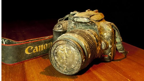 ht drowned camera thg 111129 wblog Google+ Helps Reunite Sunken Camera With Owner
