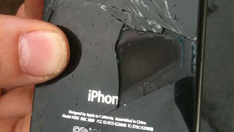 ht iphone combust airliner ll 111128 wblog iPhone 4 Explodes Midflight on Australian Airline