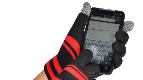 ht iphone gloves thg 111205 wblog Gadget Friendly Gloves for Cold Weather