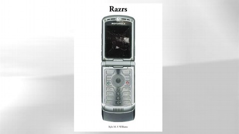 ht razr dm 121128 wblog Author Opens Your Old Text Messages in Book on Motorola Razr