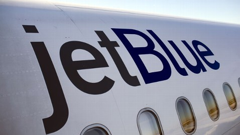 gty jetblue nt 120411 wblog JetBlue Pilot Suffers Eye Injury From Green Laser