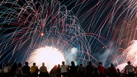 gty july 4 fireworks nt 120612 wblog The Best Time to Book July 4 Airfare