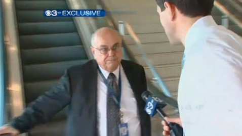 ht Thomas harkins cbs nt 121001 wblog Defrocked Priest Now TSA Agent in Philadelphia