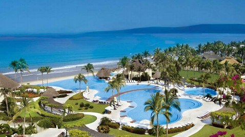 ht grand velas riviera nayarit pool jef 120607 wblog Explore Travel Deal: Single Parent Promotion in Mexico