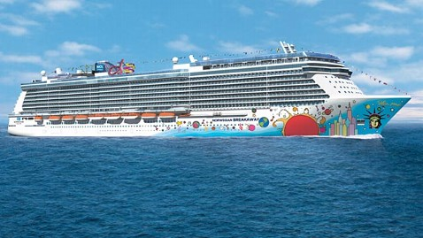 ht norwegian breakaway ll 130508 wblog Child Dies After Being Rescued From Pool on Norwegian Cruise Line Ship