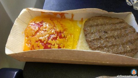 ht ryanair cheeseburger ll 120921 wblog Worlds Worst Airline Food Goes Digital