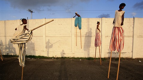 ht stefan falke casual jp 120523 wblog Above The Ground: Stilt Walking School in Trinidad