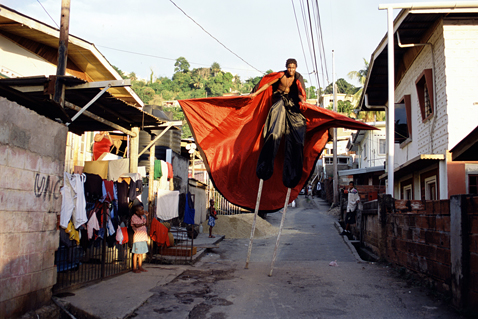 ht stefan falke day run jp 120523 wblog Above The Ground: Stilt Walking School in Trinidad