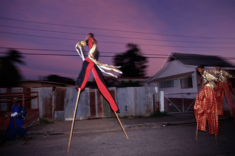 ht stefan falke night run jp 120523 wblog Above The Ground: Stilt Walking School in Trinidad