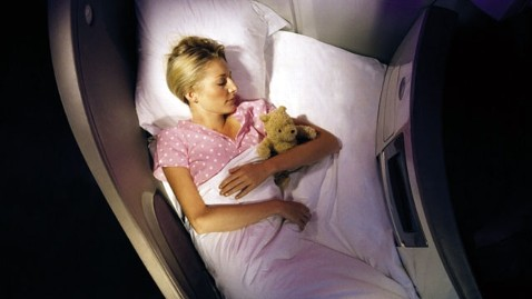 ht virgin atlantic upper class bed nt 120228 wblog Virgin Atlantic Crew Gets Whispering Coach
