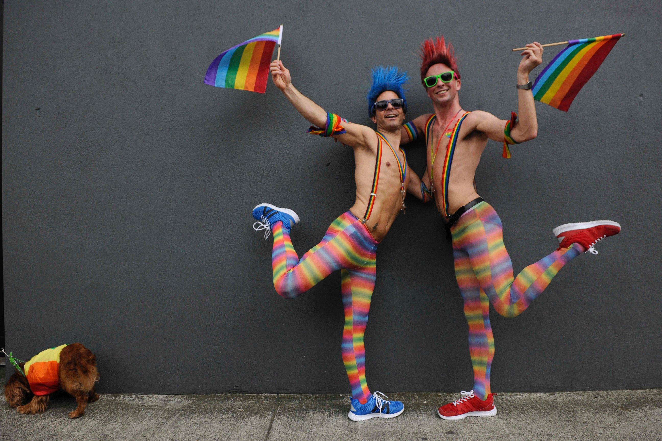 fiocco arcobaleno gay prade