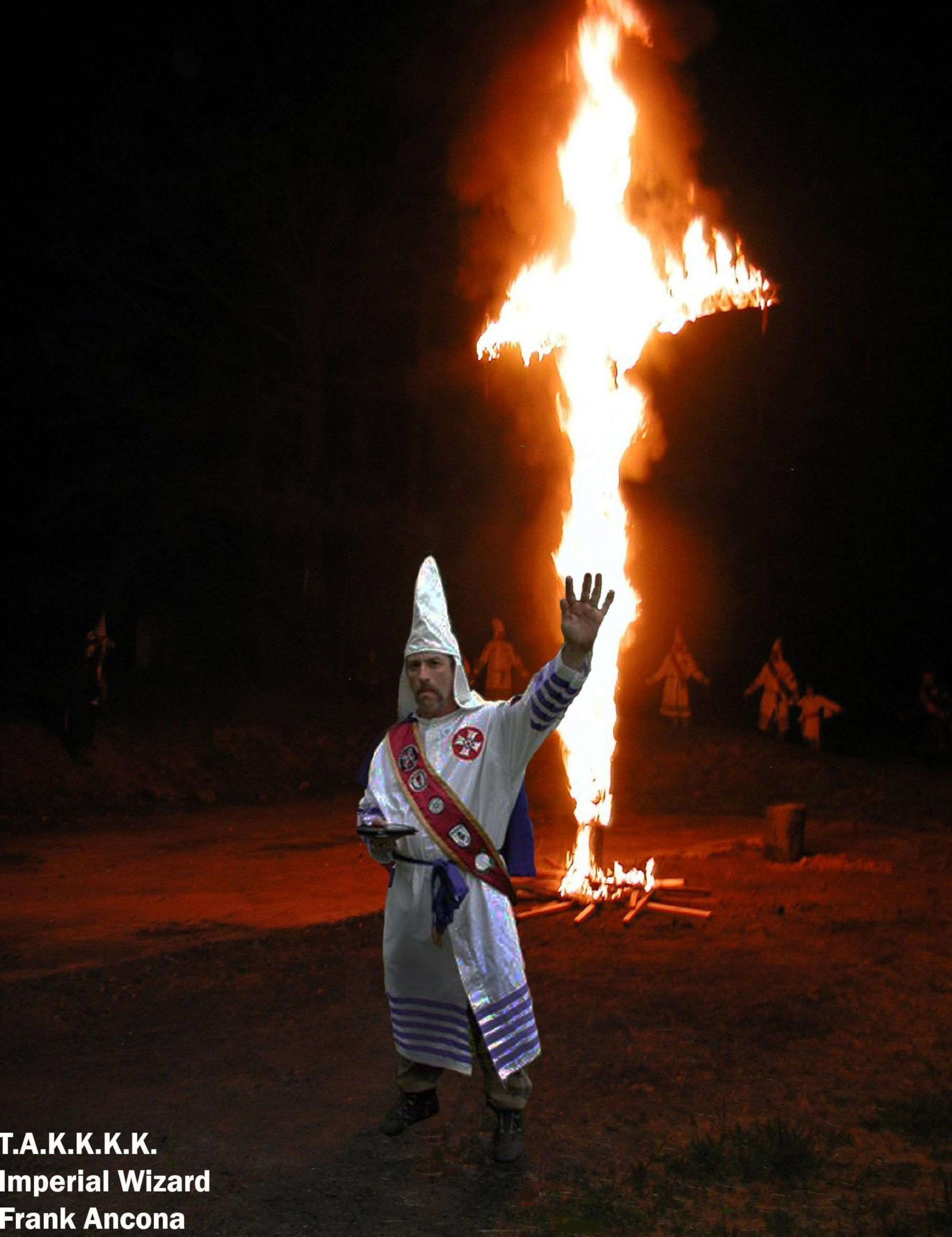 essay on klu klux klan A huge expansion of the klu-klux-klan occurred in the 1910s and 20s it was the  klan's first revival since its founding after the civil war.