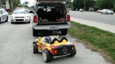 HT sarasota drunk grandparents dm 120501 wblog Drunken Florida Couple Tow Girl in Toy Car Behind SUV