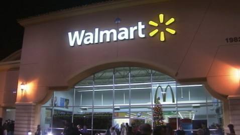 abc ann walmart pepper spray ll 111125 wblog Shootings, Pepper Sprayed Shoppers on Black Friday