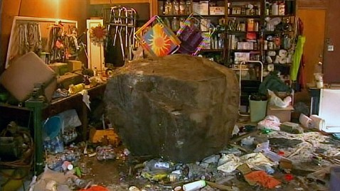 abc boulder home jp 121214 wblog Mammoth Boulder Crashes Into California Home