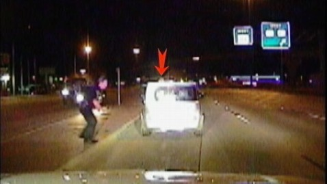 abc cop saves woman cc 120925 wblog Texas Police Officer Pushes Woman Away From Car Crash