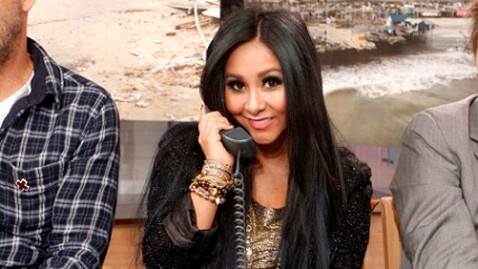 abc day of giving snooki phones thg 121105 wblog ABCs Day of Giving to Help Hurricane Sandy Victims: Live Blog