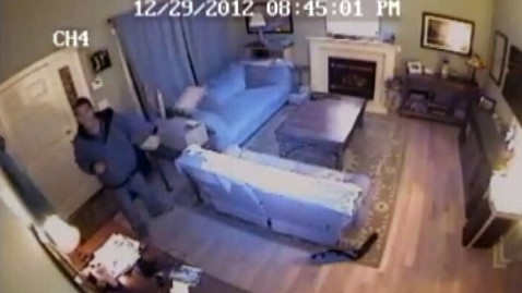 abc durham robbers jp 120103 wblog Caught on Video: Robbers Break Into N.C. Home