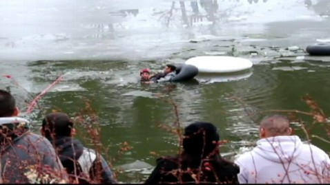 abc gma sledding accident3 jt 121229 wblog Dramatic Ice Rescue in California Caught on Tape