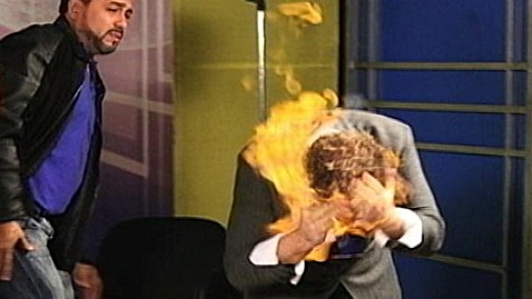 abc magician fire dm 121203 wblog Magician Wayne Houchin Burned on Dominican TV Show