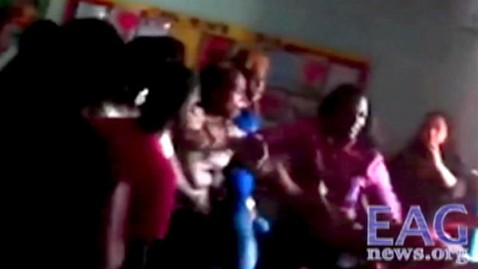 abc mom brawl jef 120615 wblog Brawl Breaks Out at California Preschool Graduation