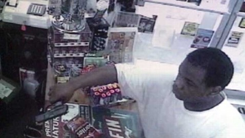 abc mother stops son robbery thg 120705 wblog Video: Mom Stops Son From Robbing Store