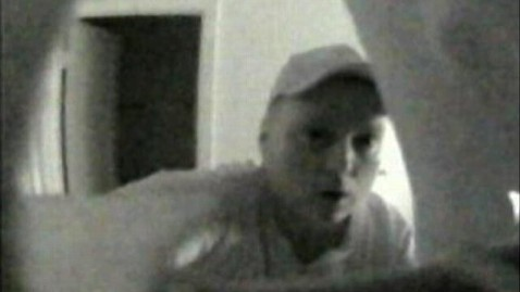abc peeping tom jef 121023 wblog Alleged Peeper Caught on Camera by Unwittingly Filming Himself