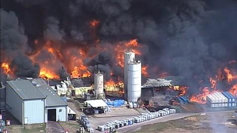 abc texas chemical fire ll 111003 wblog EPA Investigating Texas Chemical Plant Blaze