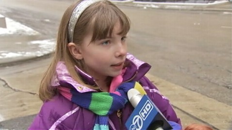 abc wls aleksandra sheridan ll 130128 wblog Girl, 9, Saves Mom From Diabetic Attack While Driving
