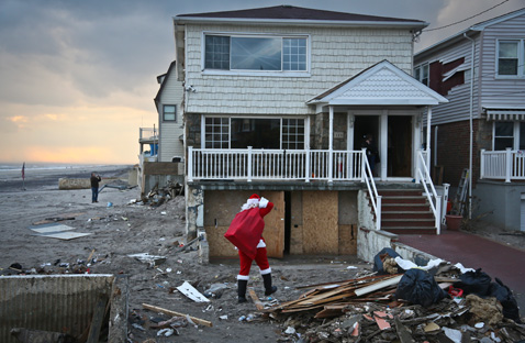 ap 01 santa clause sandy nt 121221 Superstorm Santa Claus Delivers Holiday Cheer to Children Living in Areas Hit by Sandy