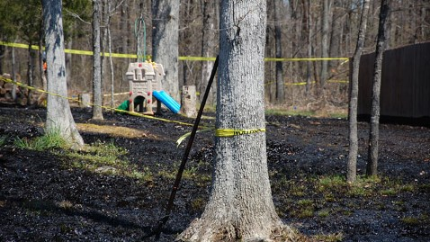 ap_arkansas_oil_spill_backyard_tk_130405