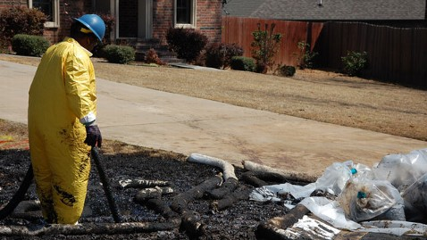 ap arkansas oil spill lawn tk 130405 wblog Mayflower, Ark., Battles Exxons Backyard Oil Spill