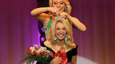 ap brittney henry jp 120229 wblog Thieves Steal Miss Washingtons Crystal Crown