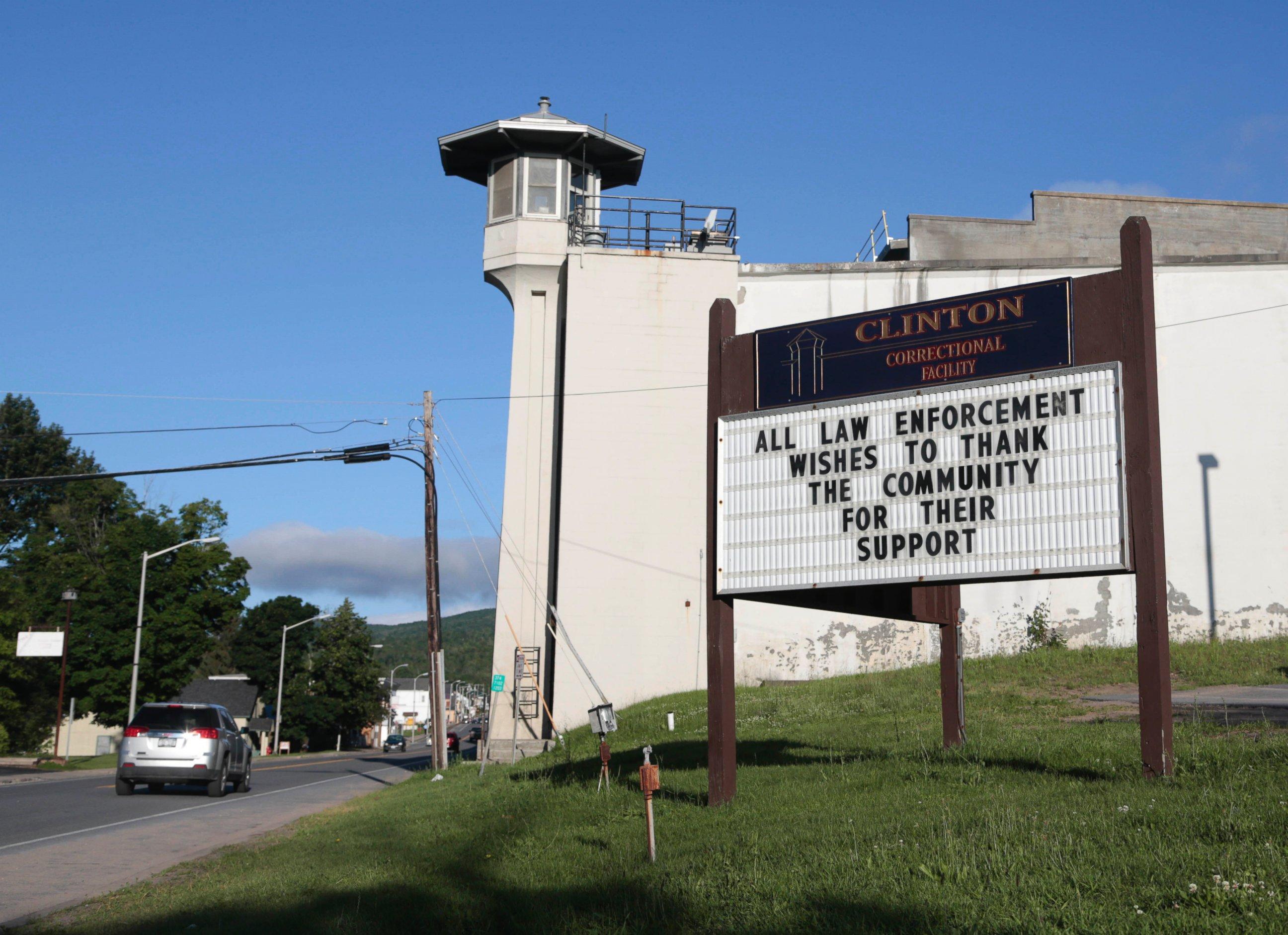 Writing Wrongs : the Pioneering New York Prison Program Transforming Lives