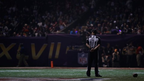 ap dark stadium kb 130203 wblog Super Bowl XLVII Live: Score, Commercials and More