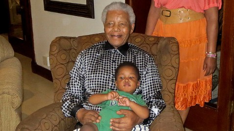 ap nelson mandela dm 130207 wblog Nelson Mandelas Family Says He Is Healthy and Doing Well