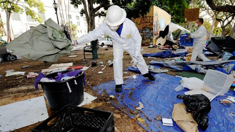 ap occupy la clean up cc 111130 wblog LA Begins Park Cleanup as Occupy Pledges to Move Forward