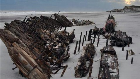 ap shipwreck fire island nt 121116 wblog Shipwreck Uncovered By Superstorm Sandy