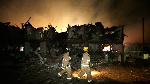 ap texas explosion11 wy 130418 wblog Live Updates: West, Texas Fertilizer Plant Explosion Injures More Than 100