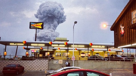 ap texas explosion1 waco wy 130418 wblog Live Updates: West Texas Fertilizer Plant Explosion Injures More Than 100