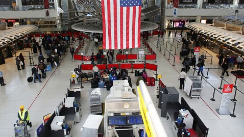 gty jfk terminal mi 130328 wblog Pepper Spray Mix Up at JFK Sends Six TSA Agents to Hospital